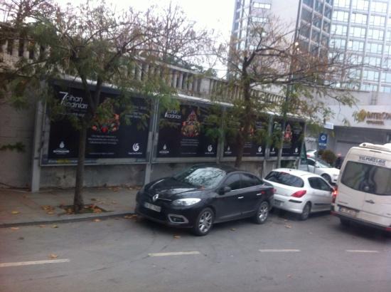 YEDİ CİHAN KADINLARI - 0001